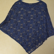 Poncho Blauw Kant - Lengte Voor 60cm - S/M - €25,-